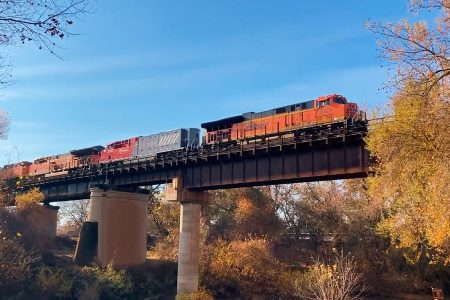 BNSF And Wabtec Commence Battery-Electric Locomotive Pilot Tests