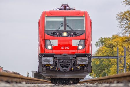 Improving Efficiency With The TRAXX Last Mile Locomotive
