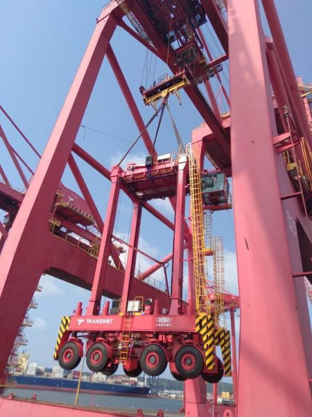 Another Batch Of 10 New Straddle Carriers Have Arrived At DCT
