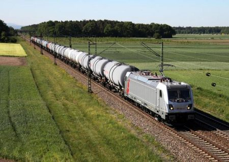 Akiem And Bombardier Sign Contracts To Supply A Total Of 33 TRAXX Locomotives