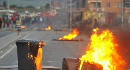 Violent Protests Result Metrorail Trains Being Set Alight in Cape Town